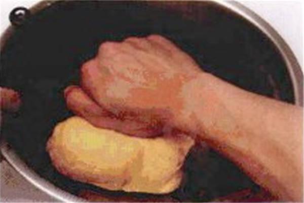 烘焙入门烘焙食谱之卡拉棒制作步骤3