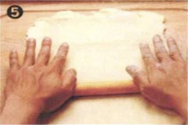 烘焙入门烘焙食谱之速成起酥皮制作方法制作步骤5