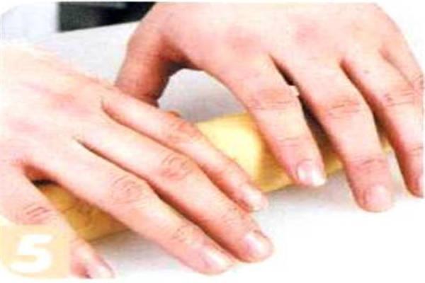 烘焙入门烘焙食谱之腰果饼干制作步骤5