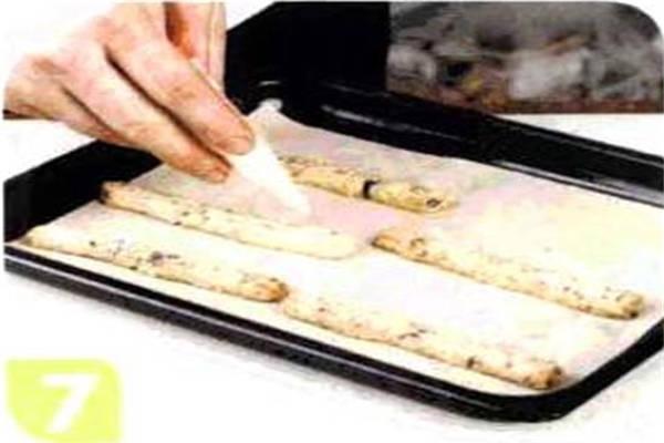 烘焙入门烘焙食谱之巧克力核桃饼干制作步骤7
