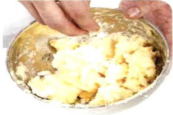 烘焙入门烘焙食谱之蜂蜜夹心饼制作步骤1