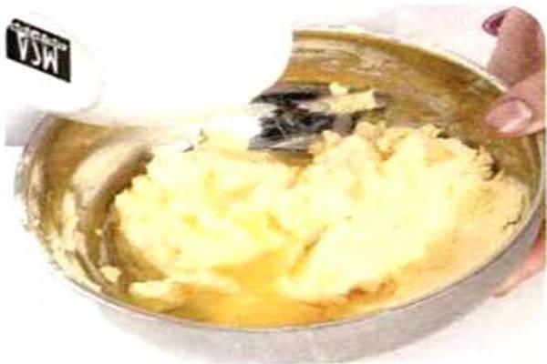 烘焙入门烘焙食谱之蜂蜜夹心饼制作步骤2