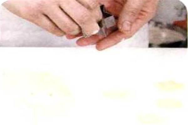烘焙入门烘焙食谱之蜂蜜夹心饼制作步骤6