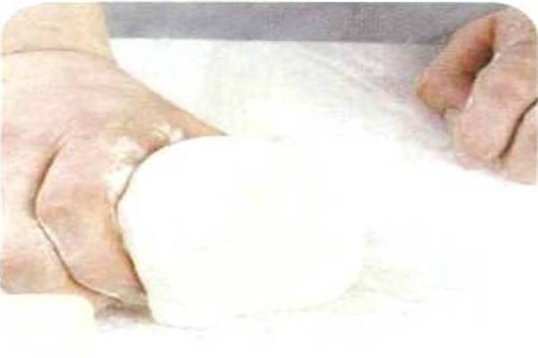 烘焙入门烘焙食谱之黑橄榄条制作步骤2
