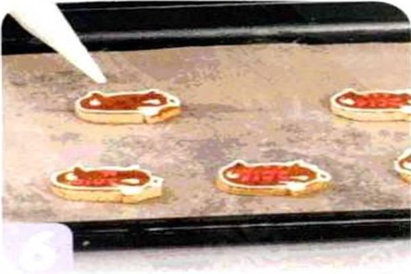 烘焙入门烘焙食谱之小猪公仔饼干制作步骤6