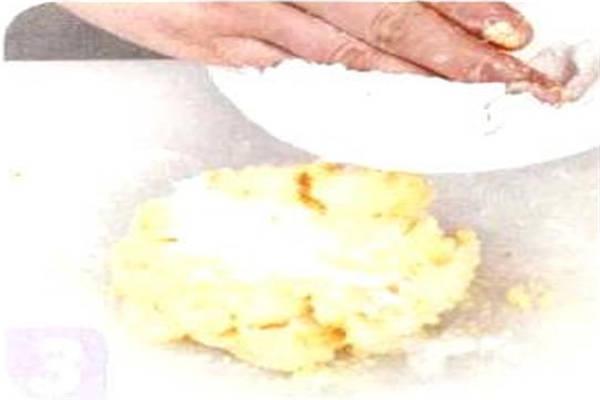 烘焙入门烘焙食谱之娃娃饼干制作步骤3