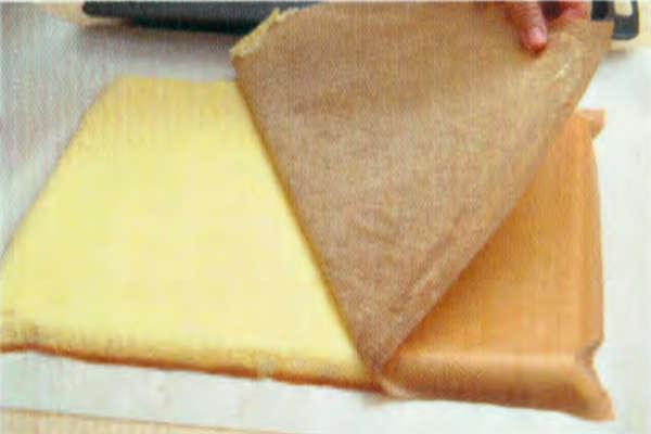烘焙入门烘焙食谱之葱花肉松咸蛋糕卷制作步骤11
