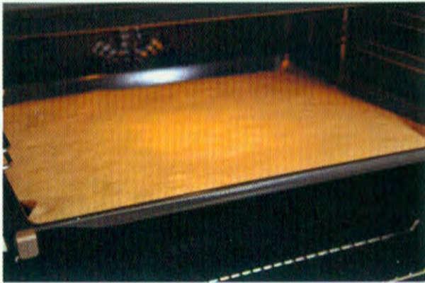 烘焙入门烘焙食谱之葱花肉松咸蛋糕卷制作步骤8