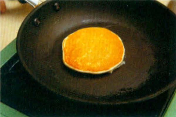 烘焙入门烘焙食谱之无发粉原味松饼制作步骤6