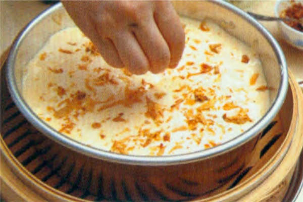 烘焙入门烘焙食谱之蒸咸蛋糕制作步骤7