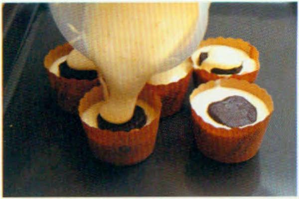 烘焙入门烘焙食谱之熔岩蛋糕制作步骤12