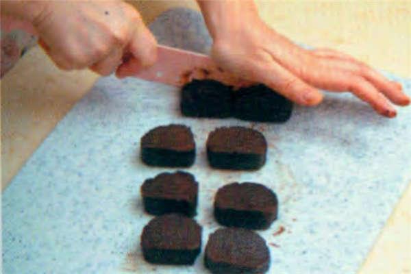 烘焙入门烘焙食谱之熔岩蛋糕制作步骤7