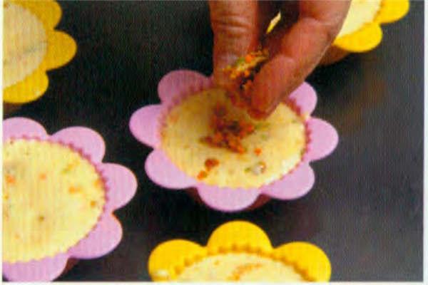 烘焙入门烘焙食谱之鲜味豆腐小松糕制作步骤9