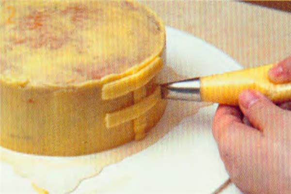 烘焙入门烘焙食谱之草莓花蓝做法:制作步骤2