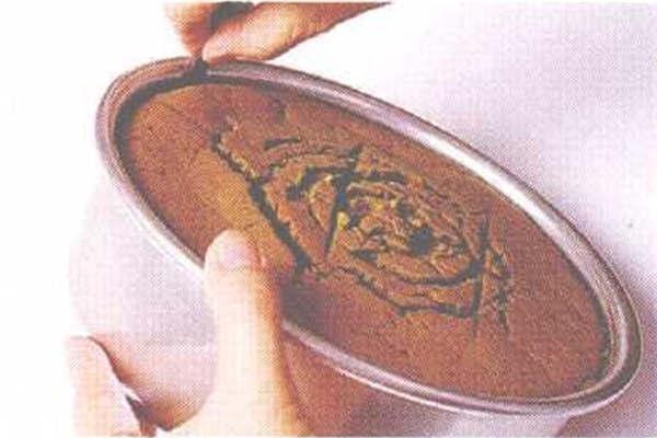 烘焙入门烘焙食谱之抹茶红豆戚风蛋糕制作步骤7