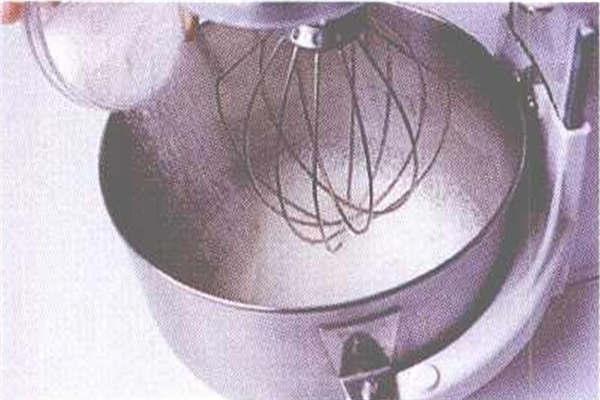 烘焙入门烘焙食谱之大理石雪纺蛋糕制作步骤3