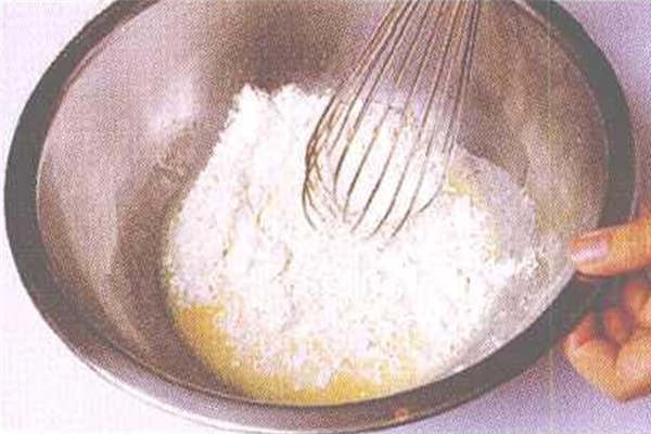 烘焙入门烘焙食谱之黄金蛋糕:制作步骤2