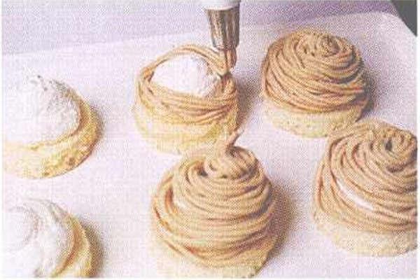 烘焙入门烘焙食谱之栗子蛋糕制作步骤8