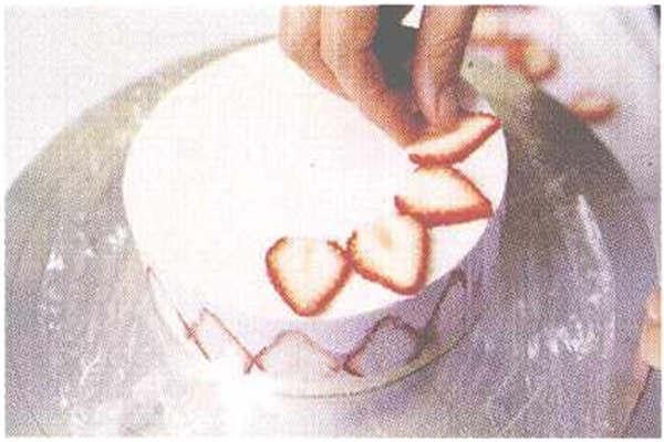 烘焙入门烘焙食谱之草莓慕斯制作步骤11