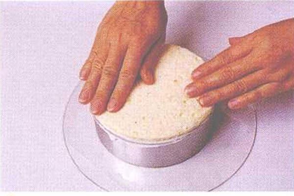 烘焙入门烘焙食谱之奶香水果慕斯制作制作步骤10