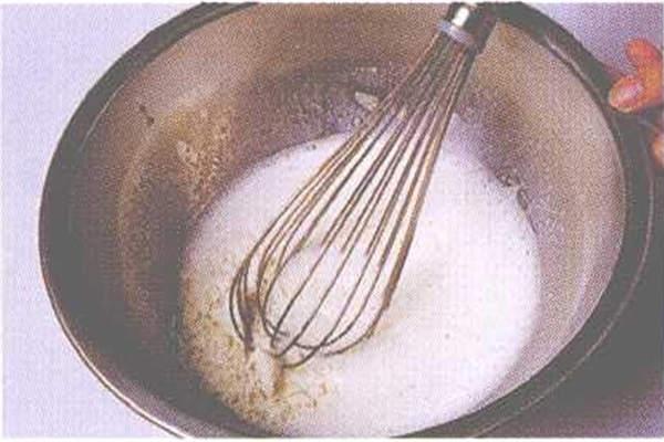 烘焙入门烘焙食谱之奶香水果慕斯制作制作步骤5
