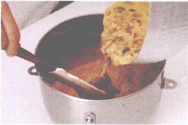 烘焙入门烘焙食谱之桂圆核桃蛋糕制作步骤5