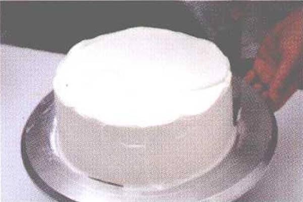 烘焙入门烘焙食谱之蛋糕装饰方法制作步骤3