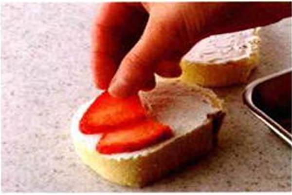 烘焙入门烘焙食谱之雪白小蛋糕制作步骤2