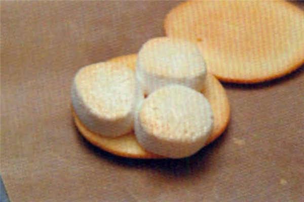 烘焙入门烘焙食谱之巧克力棉棉派制作步骤11