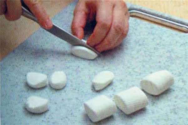烘焙入门烘焙食谱之巧克力棉棉派制作步骤8