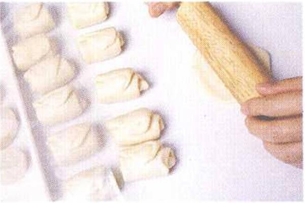 烘焙入门烘焙食谱之蛋黄酥制作步骤6