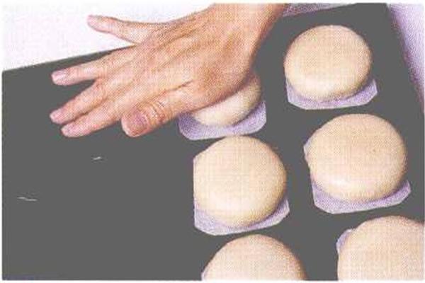 烘焙入门烘焙食谱之绿豆凸制作步骤8