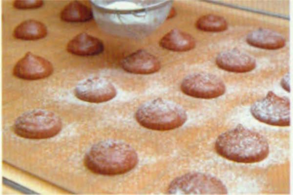 烘焙入门烘焙食谱之蛋黄小西饼制作方法制作步骤7