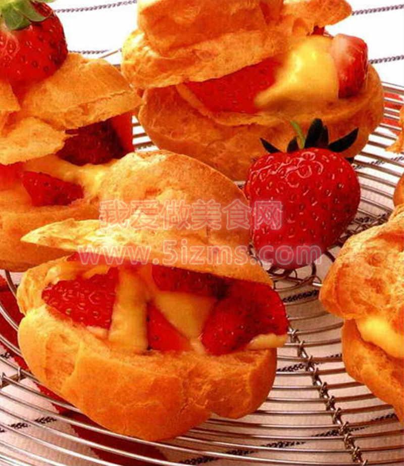 烘焙入门烘焙食谱之草莓奶油泡芙