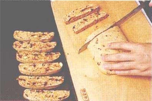 烘焙入门烘焙食谱之意式坚果巧克力饼制作步骤6