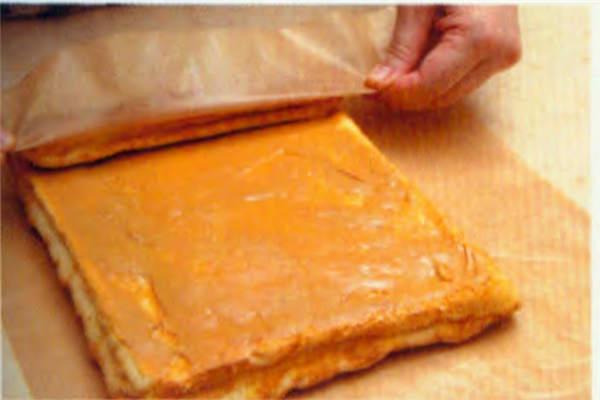 烘焙入门烘焙食谱之花生花纹蛋糕卷糕制作步骤12