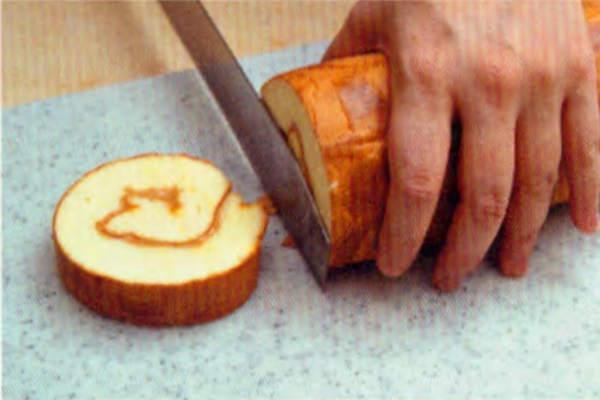 烘焙入门烘焙食谱之花生花纹蛋糕卷糕制作步骤15
