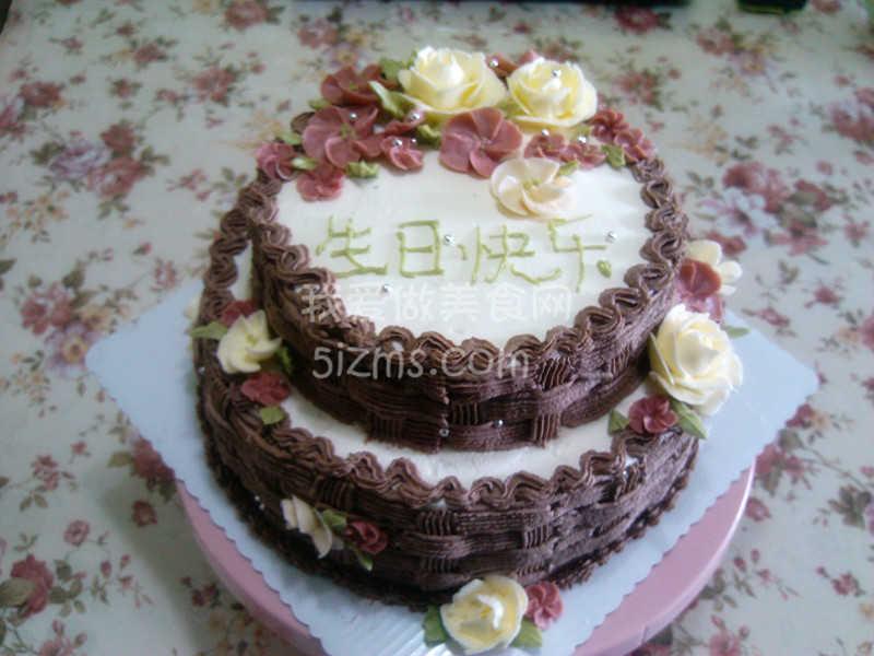 自制双层生日蛋糕
